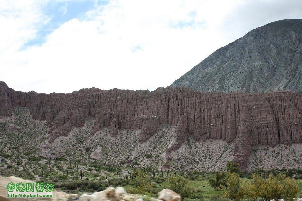 圖 29-胡胡伊省的七色岩石.JPG