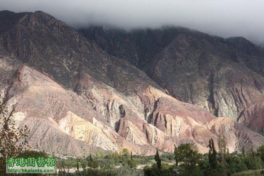 圖 31-胡胡伊省的七色岩石.JPG